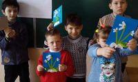 Діти 1-Б класу на уроці трудового навчання